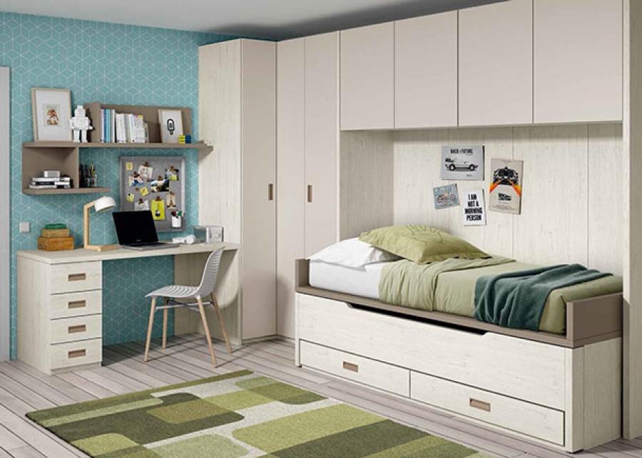 <p>Dormitorio infantil equipado con un compacto bicama; superior fija + deslizante (ambas de 90 x 190). El ambiente cuenta además con un armario rincón, un altillo puente de 4 puertas y una zona de estudio con escritorio y composición mural asimétrica.</p>