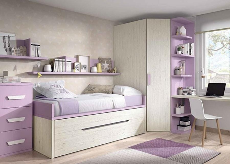 <p>Habitación infantil equipada con un compacto de dos camas. La cama superior lleva base de tarima debajo dispone de un canapé deslizable con tapa abatible.</p>