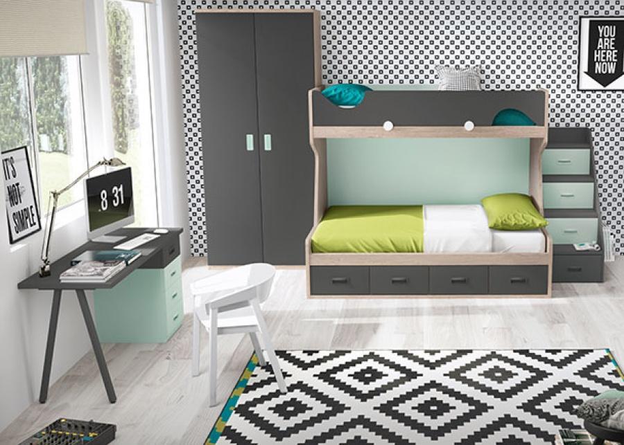 <p>Habitación infantil con litera de dos camas base de 4 cajones. El acceso a la cama superior se facilita gracias a una escalera de 4 peldaños, La barandilla es de fácil quita y pón. El ambiente se completa con un armario recto de 2 puertas y una zona de estudio con escritorio recto apoyado sobre un módulo de 4 cajones y pata en forma de V invertida.</p>