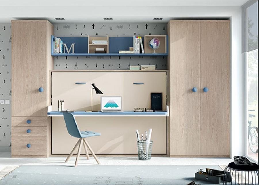 <p>Cama abatible de 135 con escritorio plegable y dos armarios, uno de una puerta con cajones vistos y otro de dos puertas largas.</p>