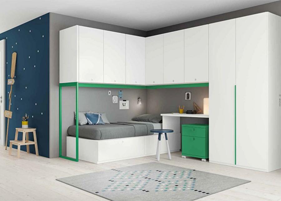 <p>Habitación juvenil con cama de bastidor tipo aro. El ambiente cuenta además con zona de estudio y queda enmarcado por una serie de altillos dispuestos en L y un armario recto de dos puertas.</p>