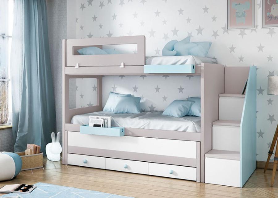<p>Habitaci&oacute;n infantil con litera y cama de arrrastre con base de tres cajones, dispone de una escalera con capacidad de almacenaje, adem&aacute;s de una barandilla quitamiedos abatible.</p>