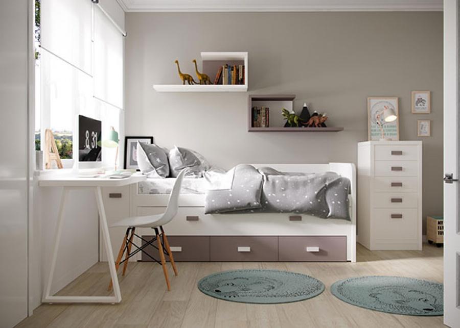 <p>Habitación infantil con compacto + respaldo, de base de tres cajones con cama de arrastre. Integra un arcón extraible, localizado bajo la mesa de escritorio, además cuenta con un armario comoda de cinco cajones, para concluir el espacio tenemos unas estanterias en forma de C.</p>