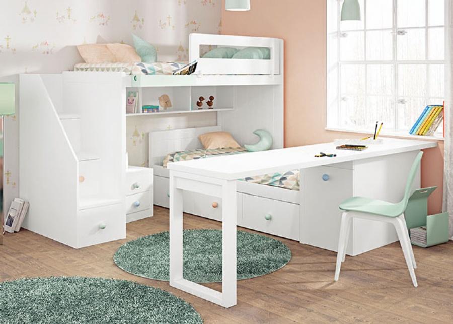 Dormitorio infantil con sitema tren, la cama inferior tiene base de tres cajones, cabezal y le acompaña una mesita de noche con dos cajones, dispon