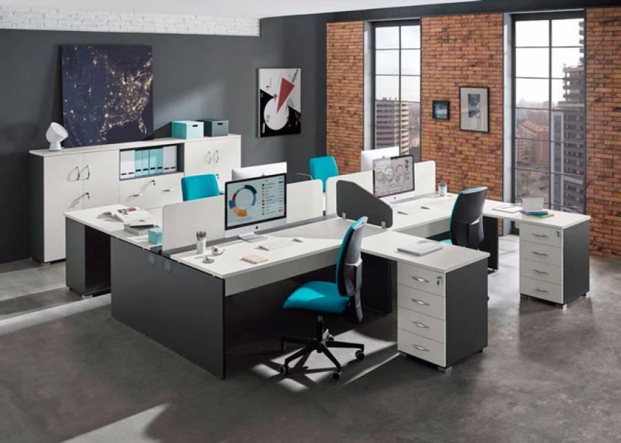 <p>Ambiente de despacho equipado con la serie OF-BASIC, orientado al equipamiento de oficinas de est&eacute;tica contempor&aacute;nea, que presenta una amplia gama de formatos en mesas y auxiliares, as&iacute; como de elementos divisorios, para hacer de tu espacio de trabajo, un entorno funcional y atractivo, en los que los conceptos de ergonom&iacute;a y comodidad estar&aacute;n siempre presentes.</p> <p>La presente escena ha sido amueblada con 2 mesas de doble puesto con divisorias, 4 m&oacute;dulos soporte de 4 cajones, 2 librer&iacute;as con puertas y 1 central con 2 archivadores bajos + las sillas operativas correspondientes.</p>