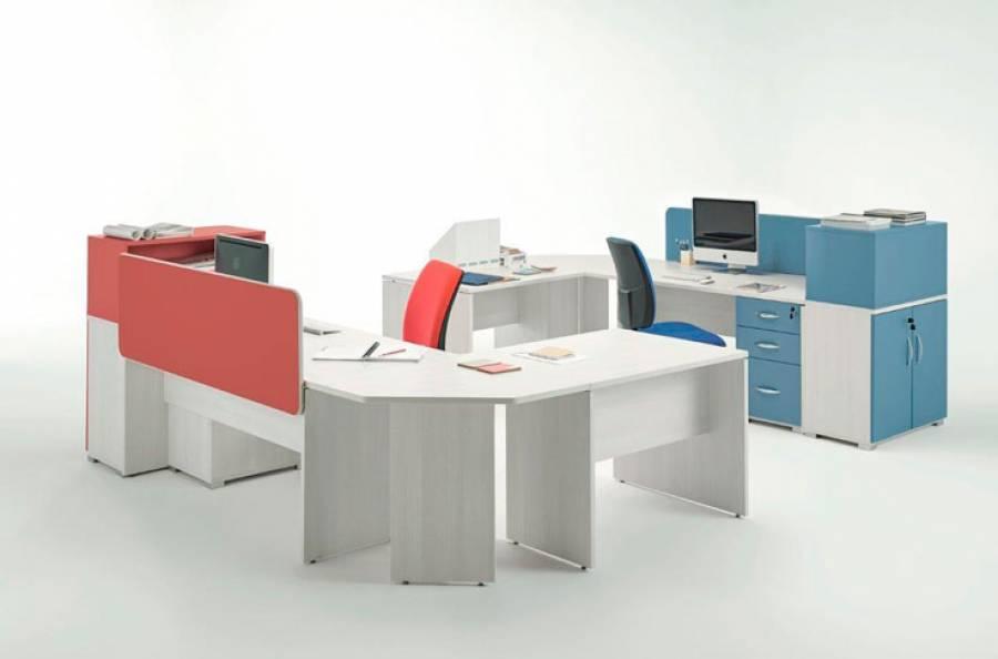 <p>Ambiente de despacho equipado con la serie OF-BASIC, orientado al equipamiento de oficinas de est&eacute;tica contempor&aacute;nea, que presenta una amplia gama de formatos en mesas y auxiliares, as&iacute; como de elementos divisorios, para hacer de tu espacio de trabajo, un entorno funcional y atractivo, en los que los conceptos de ergonom&iacute;a y comodidad estar&aacute;n siempre presentes.</p> <p>La presente escena corresponde a una oficina compartida completamente configurable, que ha sido amueblada con dos escritorios rectos, unas anguleras de uni&oacute;n con otras mesas anexas y m&oacute;dulos complementarios de almacenamiento.</p>