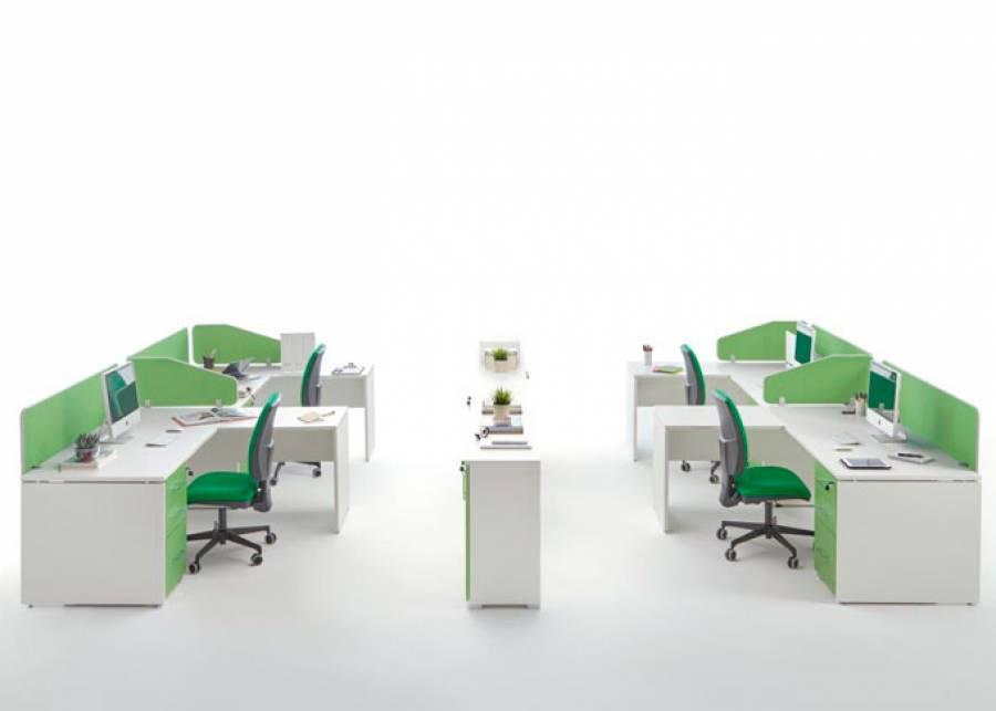 <p>Ambiente de despacho equipado con la serie OF-BASIC, orientado al equipamiento de oficinas de est&eacute;tica contempor&aacute;nea, que presenta una amplia gama de formatos en mesas y auxiliares, as&iacute; como de elementos divisorios, para hacer de tu espacio de trabajo, un entorno funcional y atractivo, en los que los conceptos de ergonom&iacute;a y comodidad estar&aacute;n siempre presentes.</p> <p>La presente escena corresponde a una oficina compartida completamente configurable, que ha sido amueblada con&nbsp;4 mesas rectas de 180 x 80 F con alas laterales y m&oacute;dulo de apoyo de 2 cajones + 1 archivador. El ambiente se completa con armarios con puertas enteras y las sillas operativas correspondientes.</p> <p>Los armarios modulares est&aacute;n pensados para zonas de paso o como separadoras de ambientes, gracias a la trasera vista de tablero melam&iacute;nico que se puede fabricar en cualquier color.</p>