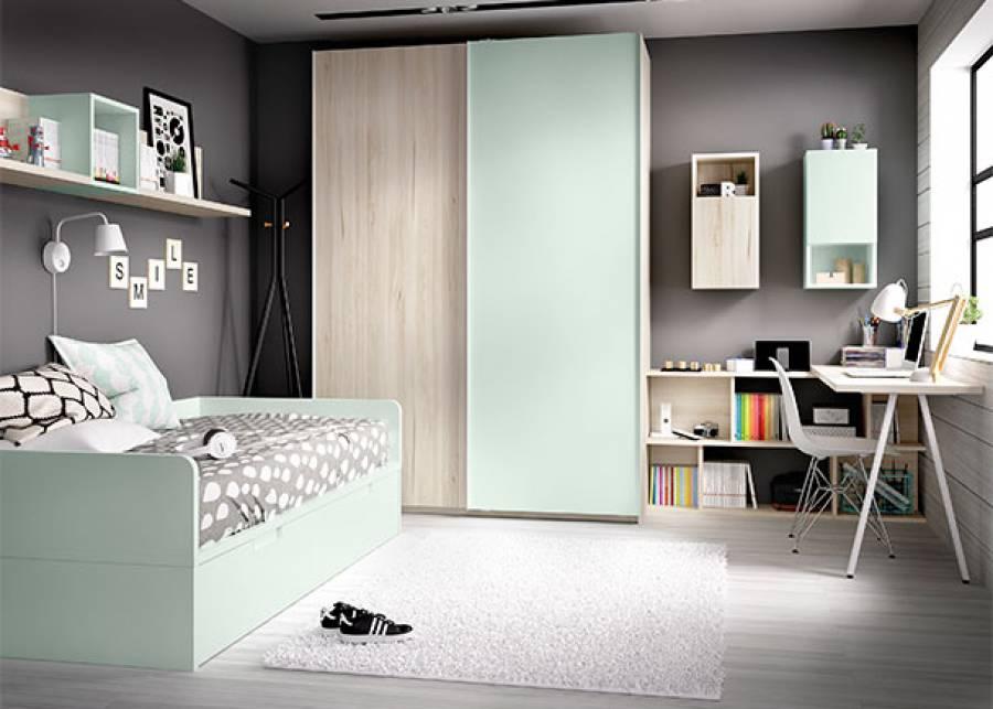 <p>Dormitorio juvenil equipado con cama nido de estructura fija, con somier deslizable de 90 x 190 que se completa con respaldo perimetral y estante de colgar a pared.&nbsp; El ambiente cuenta con un amplio armario alto de 2 puertas correderas, junto a una completa zona de estudio dispuesta en &aacute;ngulo, con estanter&iacute;a baja y m&oacute;dulos a pared.<br /><br /></p>