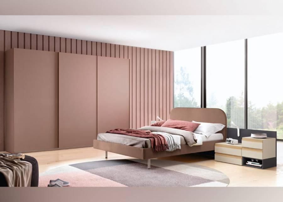 <p>Ambiente senior con cama Cotton tapizada desenfundable y mesillas con el singular u&ntilde;ero de madera. El amplio armario de puertas correderas, que se presenta con iluminaci&oacute;n interior, resulta un complemento genial.</p>