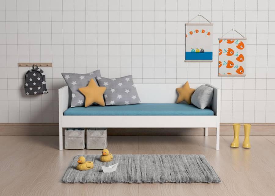 <p>&iexcl;Simplicidad! Si lo que buscas es una cama b&aacute;sica con respaldo y brazos, esta cama infantil es para ti, comb&iacute;na su acabado blanco con cualquier estilo</p>