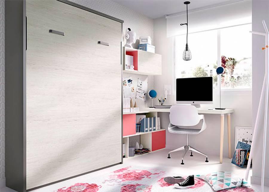 Cama abatible vertical de 135x190, con zona de estudio El escritorio es un sobre recto de 120 cm, que apoya sobre una librería baja que combina vanos y