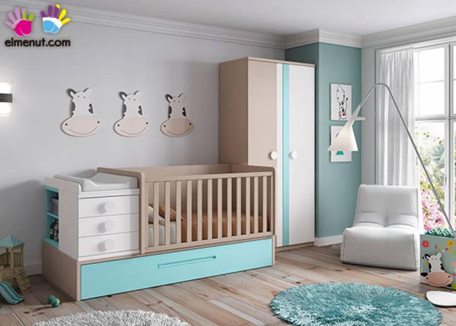 Dormitorio infantil equipado con cuna convertible de barandilla recta, para medida de colchón de 140 x 70 y base con arrastre nido. El ambiente se comple