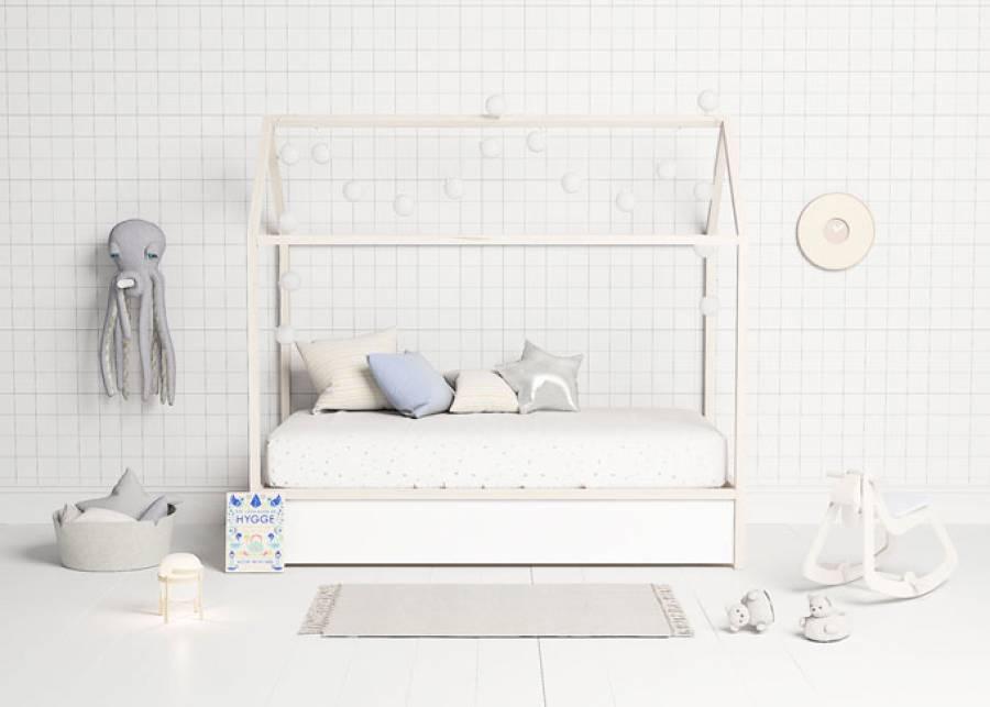 ¡Magia asegurada! No hay nada como descansar en casa... y por ello te presentamos esta casita de madera infantil, el hogar perfecto para tu hijo, y sus a