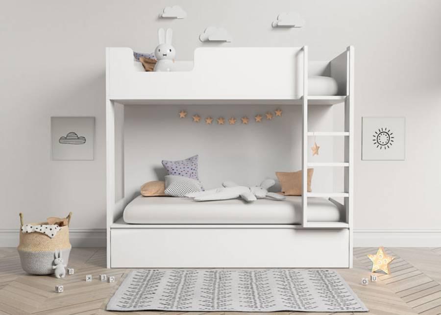 ¡Diversión sin riesgos!  Que tu peque reciba a sus amigos en esta bonita litera infantil de 3 camas, dos en la parte exterior y una cama nido ocul