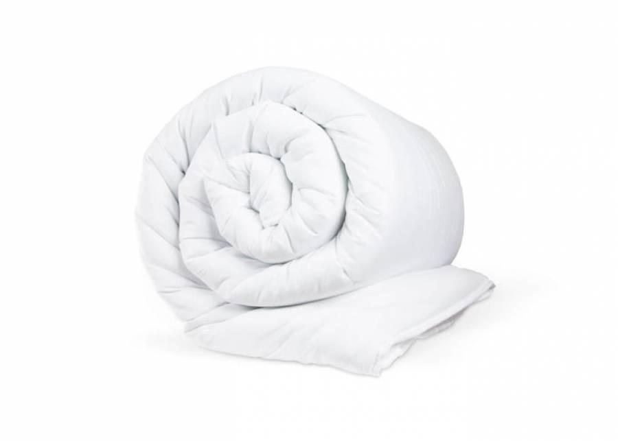 <p>Magnifico <strong>relleno n&oacute;rdico</strong> para camas de 80/90 de ancho x 190/200 cm de largo, de<strong> tacto suave</strong>, compuesto y de un <strong>90% de Duvet de oca</strong>, recubierto de tejido 100% aldod&oacute;n. <strong>Ideal para adultos y ni&ntilde;os,</strong> si lo que buscas es la sensaci&oacute;n de dormir entre nubes.</p>