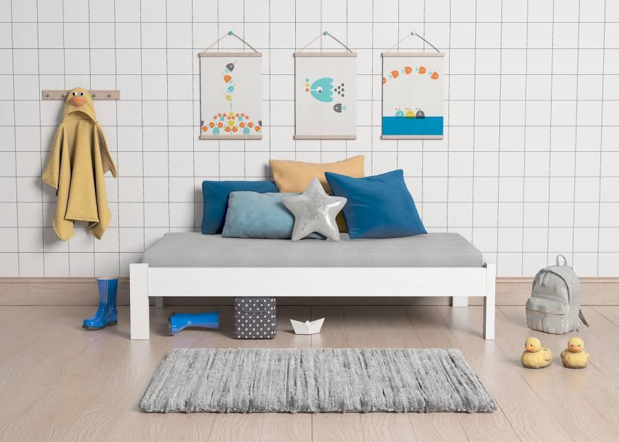 """<h2><strong>&iexcl;Las camas tradicionales vuelven a estar de moda!</strong></h2> <p style=""""text-align: justify;"""">Esta<strong> cama infantil con patas</strong>, nos traslada a los conceptos de los dormitorios de otros tiempos. Dale un toque romantico al dormitorio de tus hijos. Este modelo no necesita somier, ya que viene de serie provista con una base de tablero sobre la que apoya directamente el colch&oacute;n.</p>"""