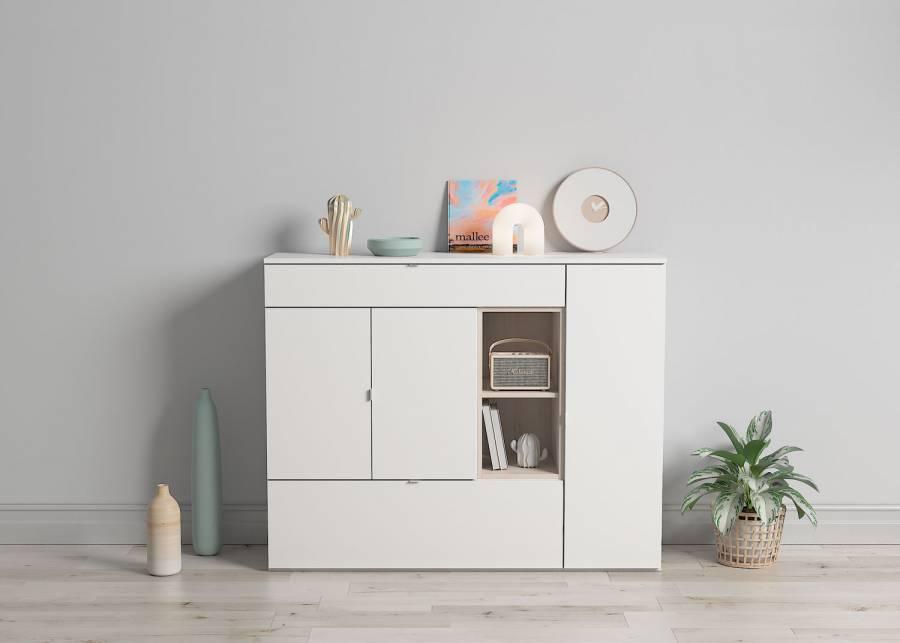 ¡Sencillo y neutro! El complemento perfecto para tu salón o comedor es este mueble aparador y librero de diseño sencillo en tonos neutros.