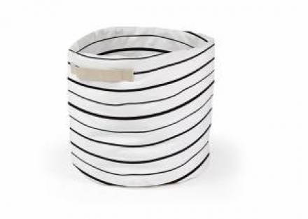 <p>Pr&aacute;ctica cesta plegable, fabricada en tejido de al